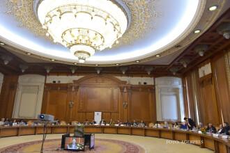 Se face lumina in Parlament. Camera Deputatilor vrea sa cumpere 14.000 de becuri