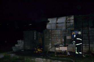 Doi soti au ars de vii sambata noapte in Suceava. De la ce a pornit incendiul