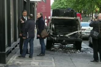 Jaf spectaculos la un magazin de lux din Franta. Hotii au intrat cu masina in cladire, apoi au fugit cu motocicletele