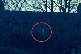 Aparitia stranie de la fereastra acestei case care l-a inspaimantat pe proprietar. Ce crede ca a surprins in imagine