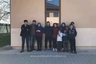 Treizeci si sase de migranti irakieni si sirieni, prinsi cand incercau sa intre in tara din Serbia
