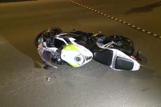 Motociclist mort la 3 ore dupa un accident in Capitala. A fost lovit de o masina cand incerca sa iasa de pe o straduta