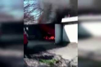 Explozie intr-un garaj din Galati, urmata de un incendiu. Cauza: o butelie instalata gresit