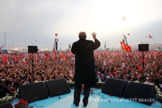 Miting urias organizat de Erdogan in Istanbul. Presedintele turc vrea sa convinga cetatenii sa-i voteze puteri sporite