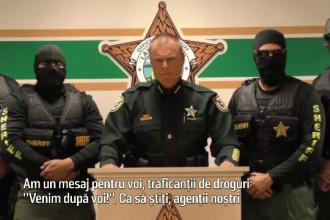 Un serif a fost filmat alaturi de 4 agenti mascati, in timp ce le transmitea un mesaj controversat traficantilor de droguri