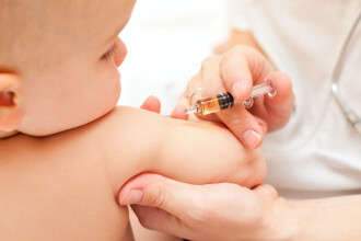 Doctor in stiinte medicale, despre campaniile pro sau contra vaccinare: