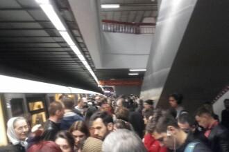 Haos la metrou, intre statiile Dristor 2 si Gara de Nord. O conducta RADET care s-a spart a provocat devierea unor trenuri
