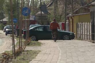 Pista de biciclete, amenajata cu 2 mil. euro, transformata in parcare, la Dabuleni. Reactia soferilor prinsi in flagrant