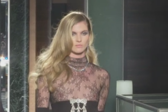 Rochiile negre de mireasa, in tendinte in 2017. Combinatiile propuse de o casa de moda din New York