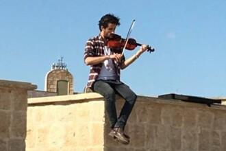 Concert la vioara in Mosul, dupa eliberarea de sub ocupatia jihadista. Teroristii interzisesera muzica in teritoriu