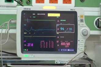 Un bebelus din Craiova a murit, dupa ce ar fi fost deconectat de la aparate fara acordul parintilor. Tatal: