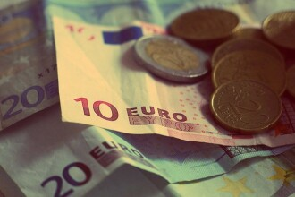 Vesti bune de la Eurostat. Economia zonei euro a crescut cu 0,5% in primul trimestru, fata de cel anterior