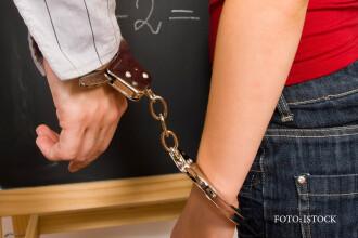 Profesorii din scoli si licee risca inchisoarea pentru luare de mita. De marti, ei sunt considerati
