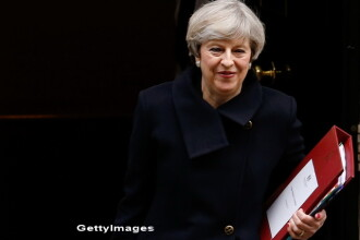 Theresa May si presedintele Comisiei Europene se intalnesc la Londra inainte de stabilirea linilor rosii UE