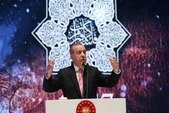 Pentru prima data in ultimii 70 de ani, presedintele Turciei este si presedinte de partid. Erdogan, reales in fruntea AKP