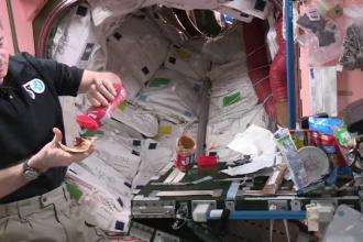 Cum prepara un astronaut un sandvis intr-un mediu cu gravitatie zero