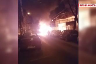 7 mașini incendiate, autorul e căutat de poliție. Ce s-a găsit lângă automobile