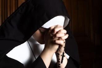 Un bărbat care a fost violat de o călugăriță și-a întâlnit fiica rezultată în urma abuzului