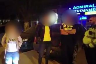 Trei tineri s-au ales cu dosar penal după ce au fost prinși cu canabis în mașină, în Capitală