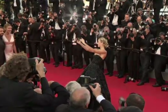 Fără selfie-uri pe covorul roşu de la Cannes. Măsura anunțată de directorul festivalului