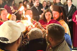 Mii de credincioşi, la Mănăstirea Brâncoveanu la slujba de Înviere