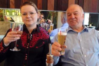 Serghei și Iulia Skripal, salvați de ploaia care a diluat neurotoxina de pe clanța locuinței lor