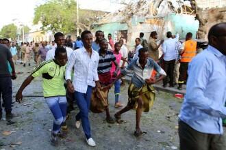 Atac cu bombă pe un stadion de fotbal din Somalia. Sunt cel puţin 5 morţi