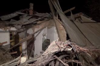 Bătrână de 84 de ani din Roman, prinsă sub dărămături în urma unei explozii