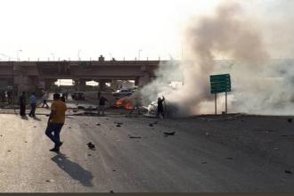 Un mort și 11 răniți în urma unui atac cu mașină-capcană. A fost vizat un politician irakian