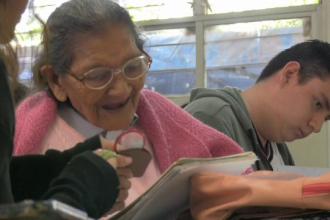 O femeie a absolvit ciclul gimnazial la 95 de ani