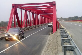 Autorităţile au căutat 6 ore un sinucigaş care ar fi sărit pe podul de la Mărăcineni. Ce făcuse omul de fapt