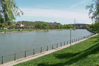 Spații verzi și zone de relaxare, pe malul râurilor care străbat orașele mari din România