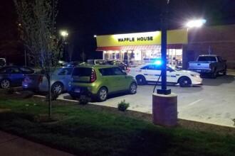 Patru oameni uciși și doi răniți de un bărbat înarmat, complet dezbrăcat, în Tennessee