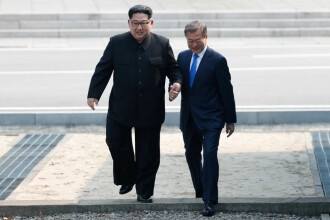 Moon Jae In şi Kim Jong-un au convenit asupra denuclearizării complete a Peninsulei Coreene
