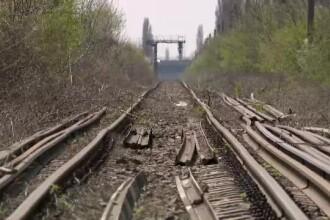 Alertă cu bombă într-un tren din România. Pasagerii au fost evacuaţi