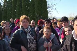 """Salariații unei fabrici de pantofi din Bihor, în pragul disperării: """"Nu ne-o dat nici salar"""""""