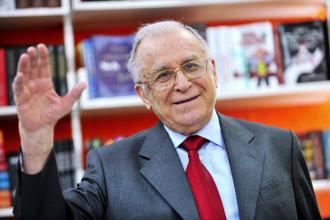 Ion Iliescu și-a petrecut noaptea în spital, la terapie intensivă. Starea în care se află după operație