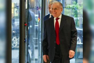 Ion Iliescu rămâne în spital. Ce au descoperit medicii la investigaţii
