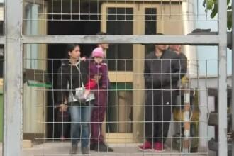 """Zeci de italieni s-au opus mutării unor familii de romi în cartierul lor: """"Spun că furăm"""""""