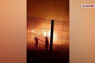 Trei vagoane au ars în gara din Caransebeș. Cine ar fi fost provocat incendiul