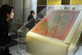 Steagul lui Ştefan cel Mare, din anul 1500, dus cu un avion militar în Franţa
