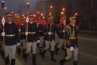 """Paradă impresionantă, la 15 ani de la aderarea României la NATO. """"Îmi cântă şi mie inima"""""""