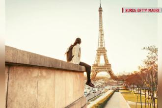 Românca moartă la Paris ar fi căzut în gol când iubitul îi oferea inelul, la Turnul Eiffel