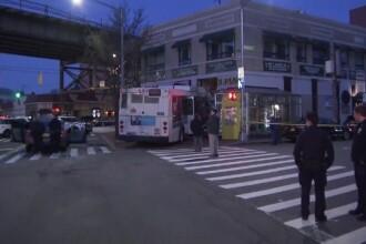 Momentul în care o pizzerie este distrusă de un autobuz