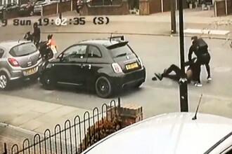 Hoț de mașini, înarmat, pus pe fugă de proprietarul mașinii. Scena a fost filmată