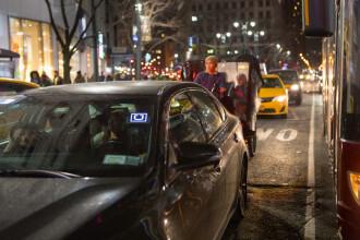 Un șofer Uber a încercat să jefuiască o locuință, după ce i-a dus pe clienți la aeroport