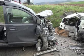 Doi morți după un impact frontal pe un drum din Alba. Accidentul, filmat cu camera de bord