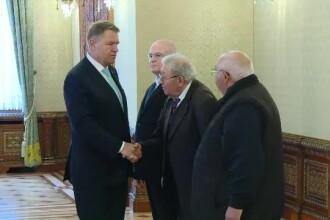 Iohannis a discutat la Cotroceni cu 2 pretinși foști deținuți politic, trimiși de PSD