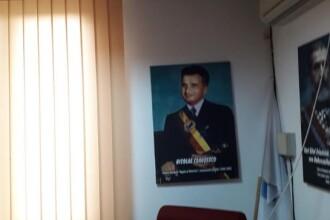 """Tablou cu Nicolae Ceauşescu, în biroul unui primar PNL: """"Ce e rău în asta?"""""""