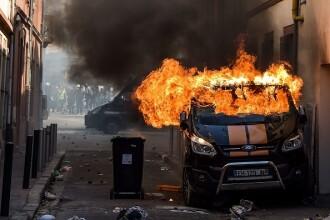 Violențe în Franța. Vestele galbene au provocat haos pe străzile din Toulouse. GALERIE FOTO